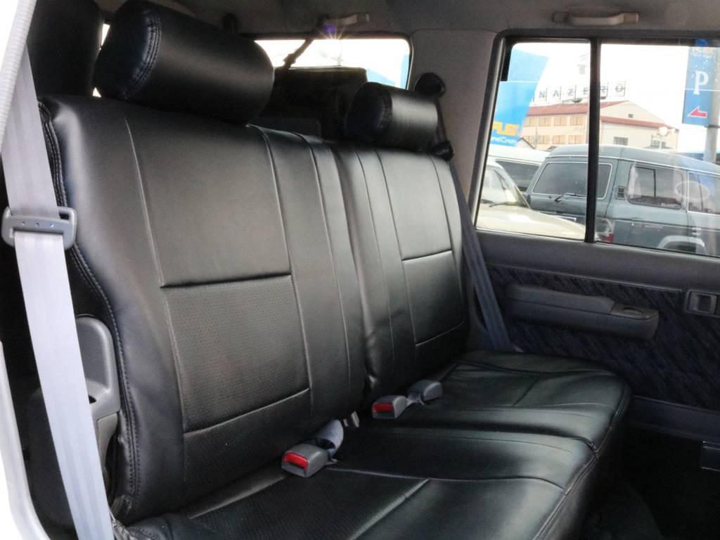 シートカバー装着済み。 | トヨタ ランドクルーザープラド 3.0 EXワイド ディーゼルターボ 4WD