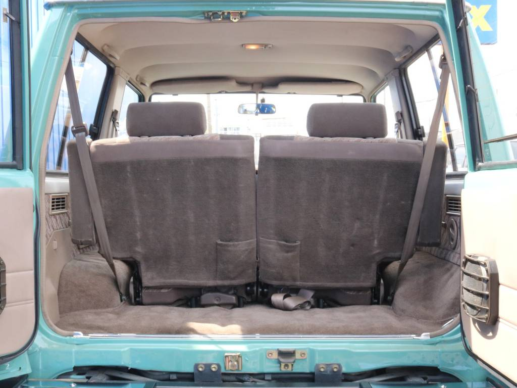 荷室には夢を沢山積み込んで走りたいですね(笑)   トヨタ ランドクルーザープラド 3.0 SX ディーゼルターボ 4WD