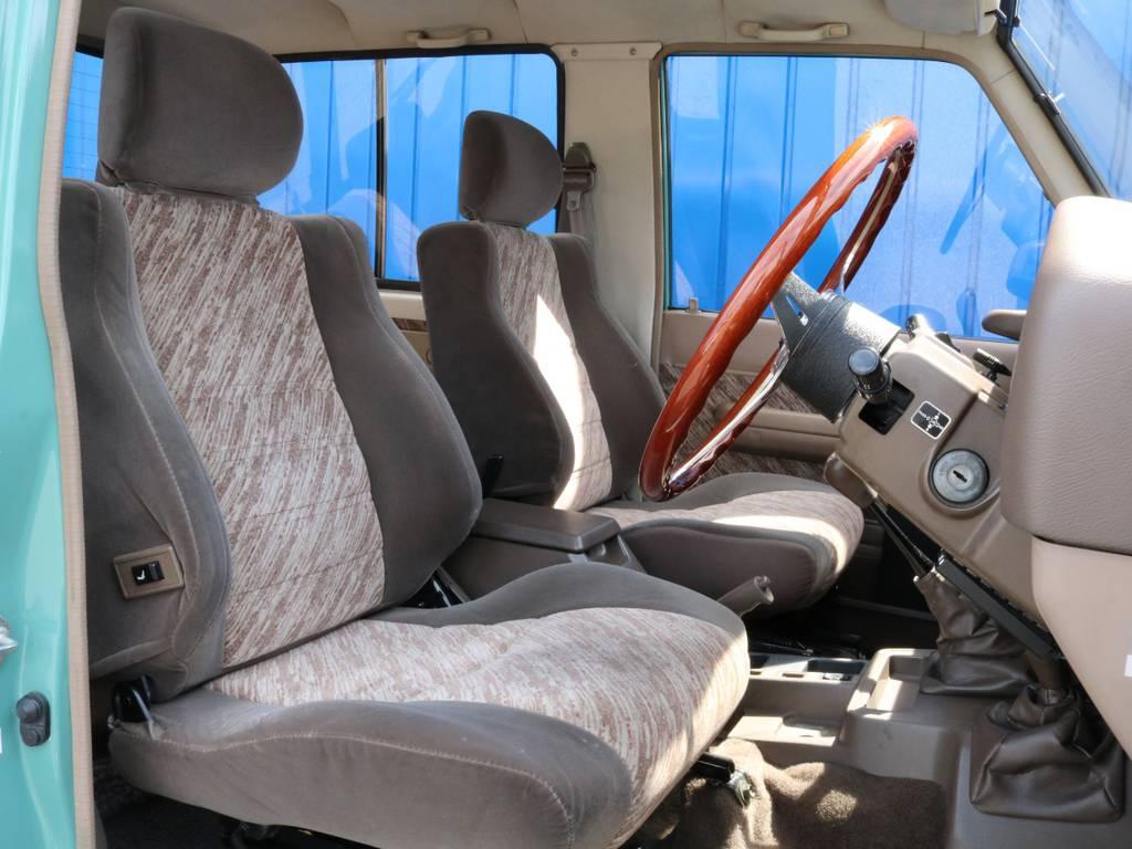 1度は車内に乗り込んでみたいですよね!   トヨタ ランドクルーザープラド 3.0 SX ディーゼルターボ 4WD