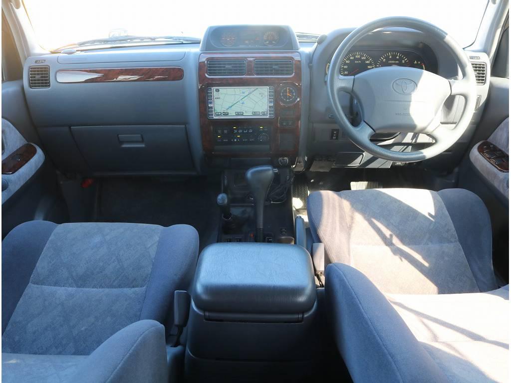 内装の状態も綺麗で丁寧に乗ってこられたのが伝わってきます! | トヨタ ランドクルーザープラド 2.7 TX 4WD