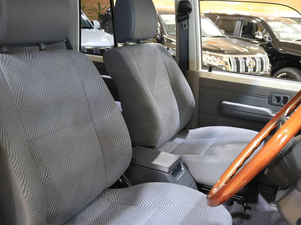NARDIクラシックハンドルを装着! | トヨタ ランドクルーザー70 4.0 4WD 30thアニバーサリー