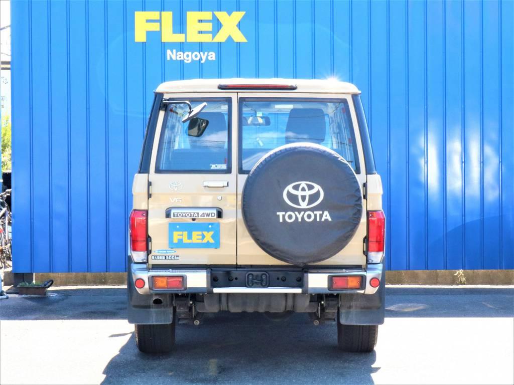 背面タイヤには純正カバーを装着!陽射しなどからタイヤを守ってくれます。
