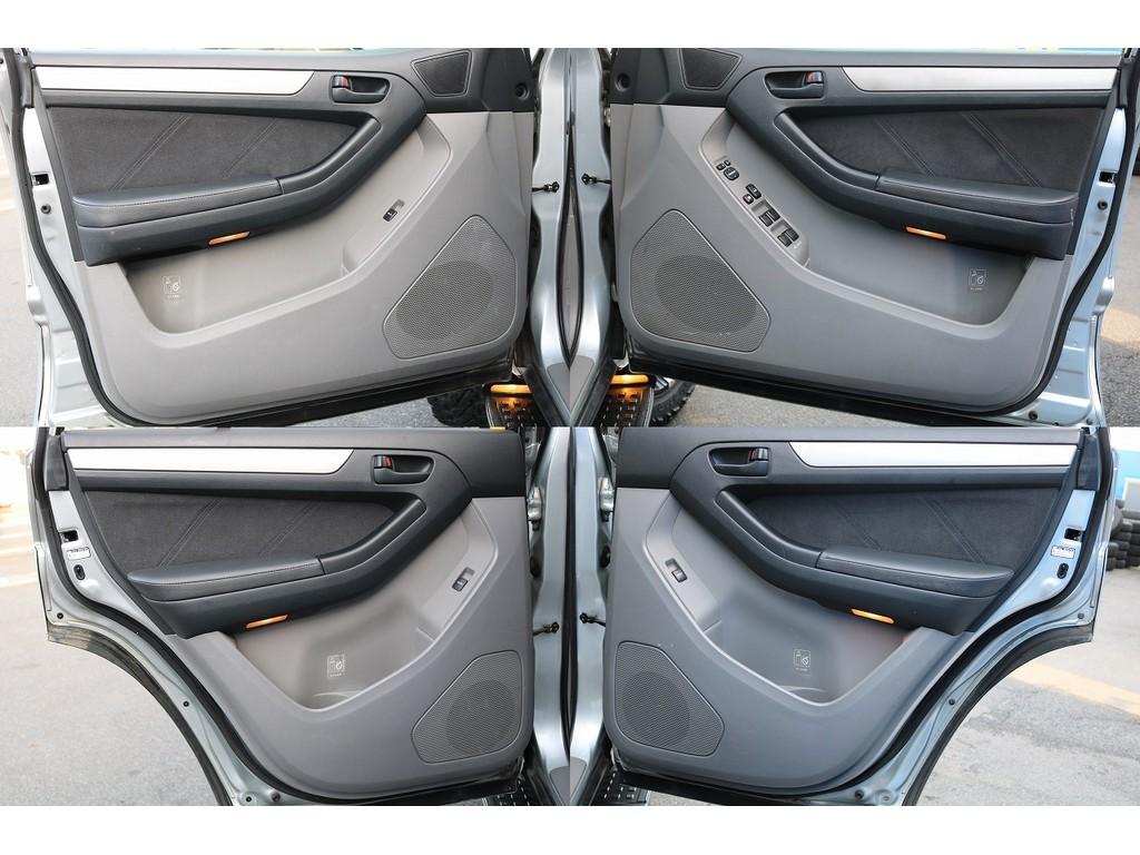 中古車の中でも、大事になってくる内張り!最近ではオシャレな柄で張替えをしているお車も少なくありません!名古屋店では得意のカスタムです!