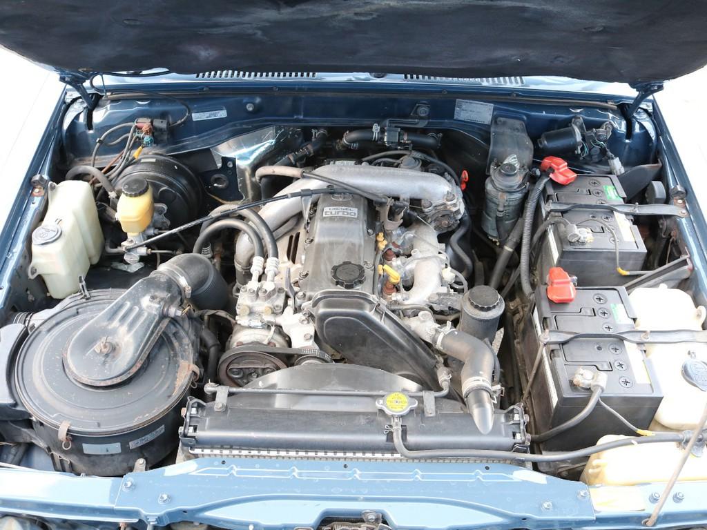 1KZ 3000㏄ 直列4気筒のターボ車になりますので、力強く、高速運転でもさほど苦にならないと思います★