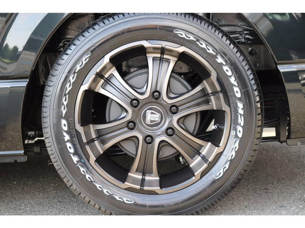 FLEXオリジナルカラーのバルベロDEEPS17インチAW&ナスカー! | トヨタ ハイエースバン 2.0 スーパーGL ロング ROOM CAR 03
