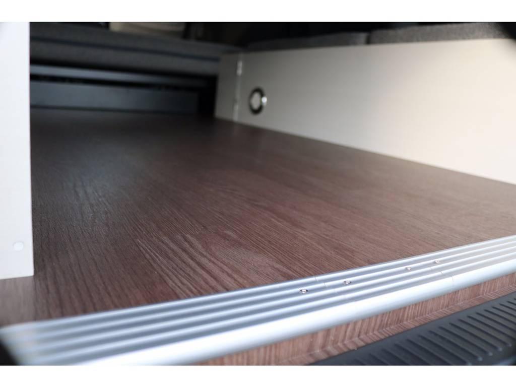 床パネルも完備! | トヨタ ハイエースバン 2.0 スーパーGL ロング ROOM CAR 03