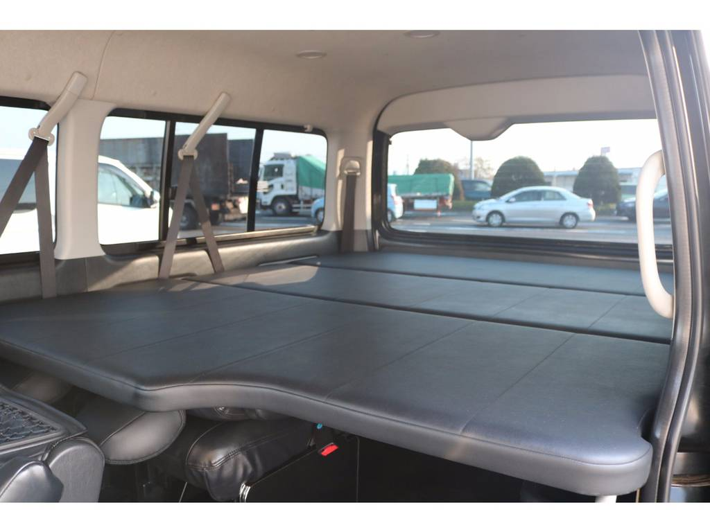 ユーアイビークル製ベットキット完備! | トヨタ ハイエース 2.7 GL ロング ミドルルーフ
