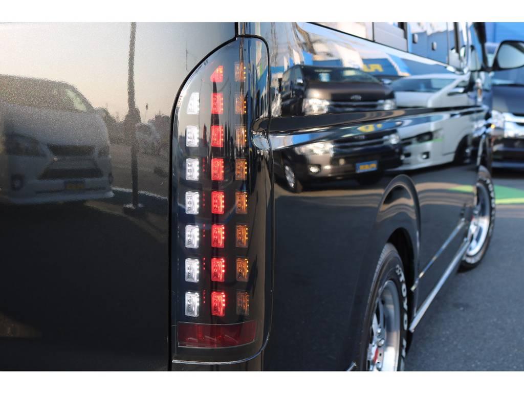 流れるウインカーのLEDシューティングテール! | トヨタ ハイエース 2.7 GL ロング ミドルルーフ