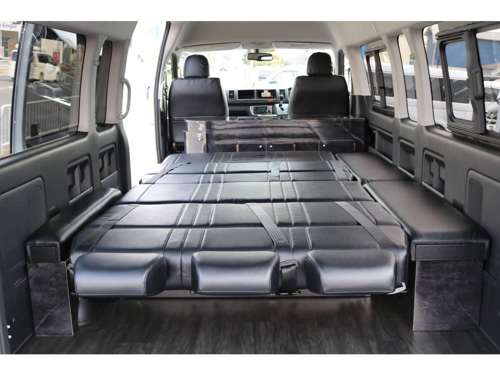 フルフラットモード!家族みんなで車中泊できちゃいますね! | トヨタ ハイエースコミューター 2.8 GL ディーゼルターボ 8人乗りキャンピング登録