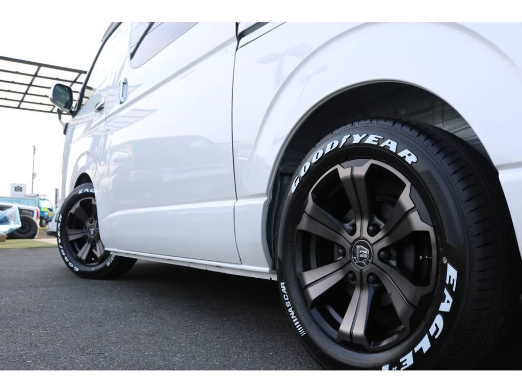 【アルミ&サイドフェイス】当社オリジナルカラーのAWに定番のナスカータイヤをインストール♪ | トヨタ ハイエース 2.7 GL ロング ミドルルーフ アレンジR1 ベッドキット
