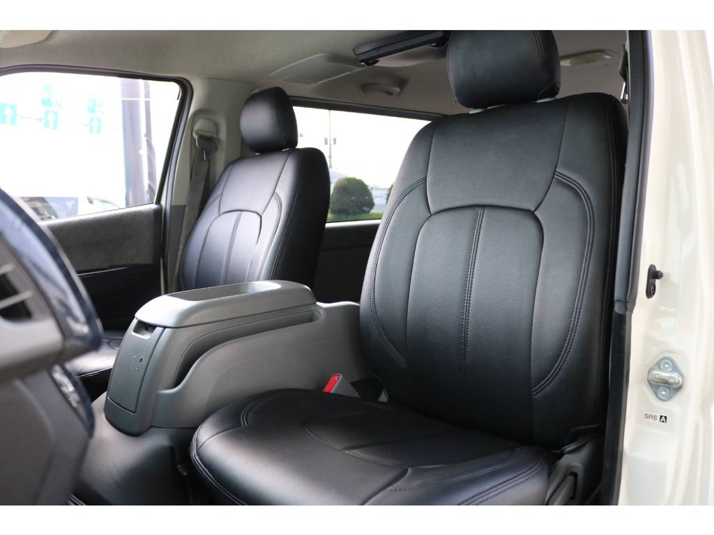 ブラックレザーシートカバー!   トヨタ レジアスエース 3.0 スーパーGL ロングボディ ディーゼルターボ