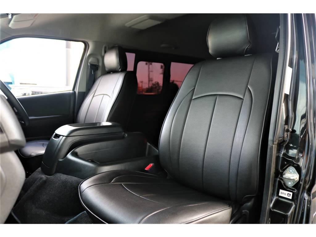 使用感の少ない助手席シート! | トヨタ レジアスエース 3.0 スーパーGL ワイド ミドルルーフ ロングボディ ディーゼルターボ 新品ナビ 新品WORKアルミ
