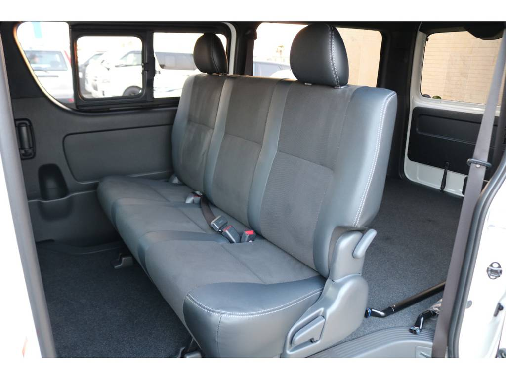 3人掛けシート♪ | トヨタ ハイエースバン 2.8 スーパーGL ダークプライムⅡワイド ミドルルーフ ロングボディ ディーゼルターボ