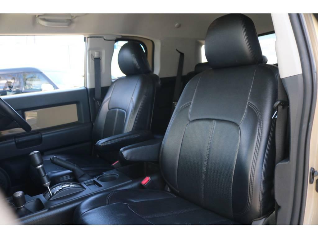 高級感溢れるレザーシート!! | トヨタ FJクルーザー 4.0 カラーパッケージ 4WD ユーザー様下取り直販♪