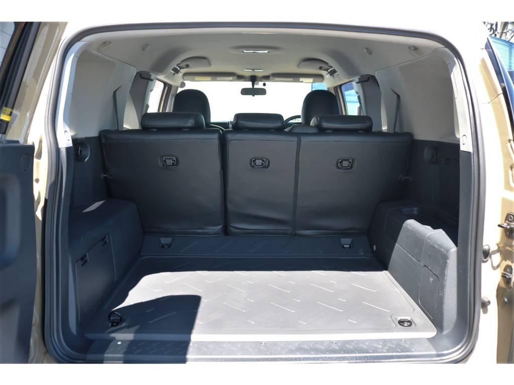 広大なラゲッジスペースが魅力です! | トヨタ FJクルーザー 4.0 カラーパッケージ 4WD ユーザー様下取り直販♪