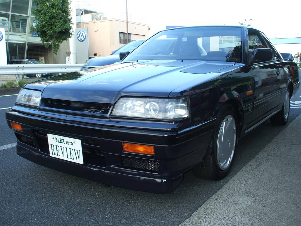 | 日産 スカイライン GTS-R