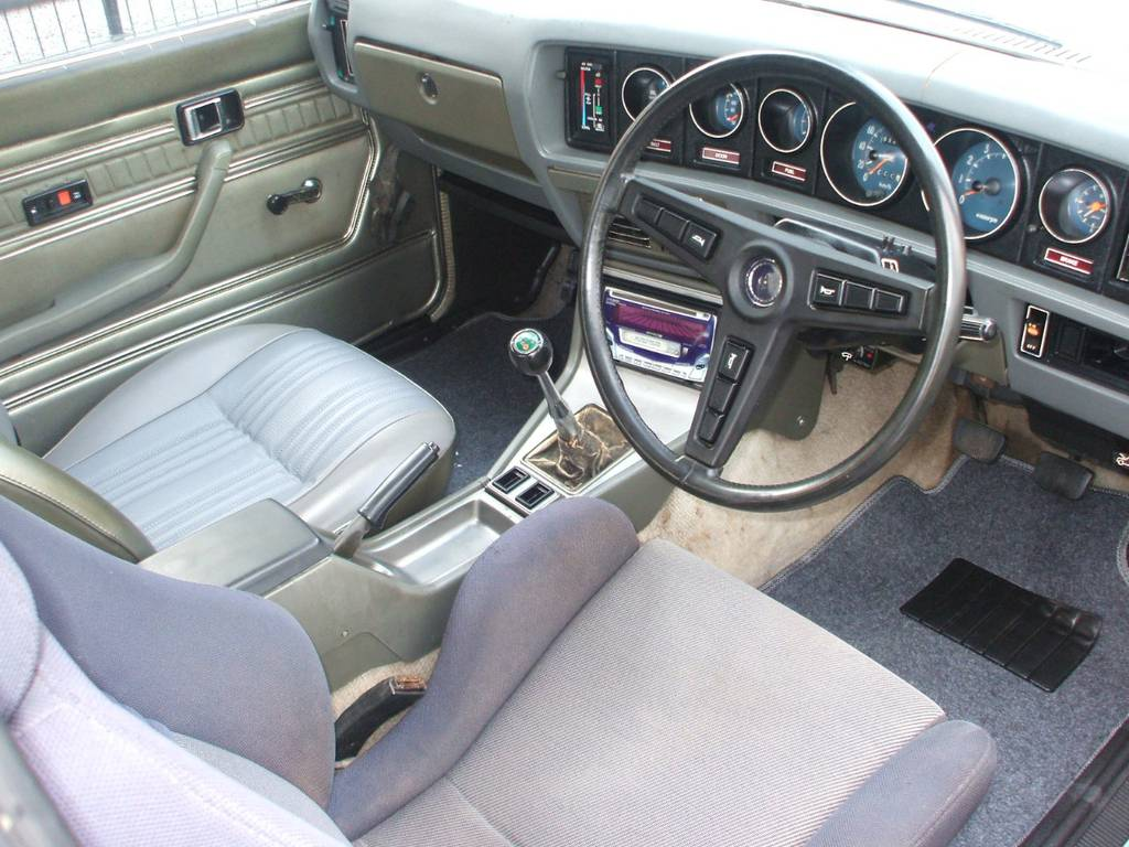 | トヨタ コロナ 2ドアハードトップ 1800SL