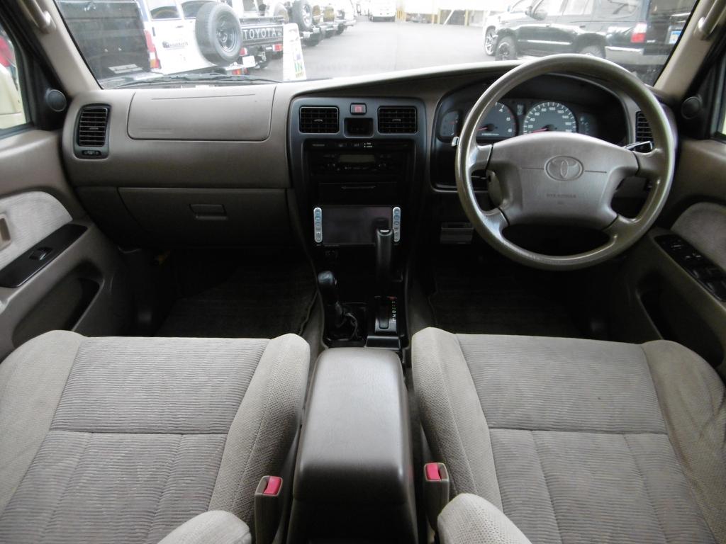 ハイラックスサーフ 3.0 SSR-X パッケージオプションA ディーゼルターボ 4WD