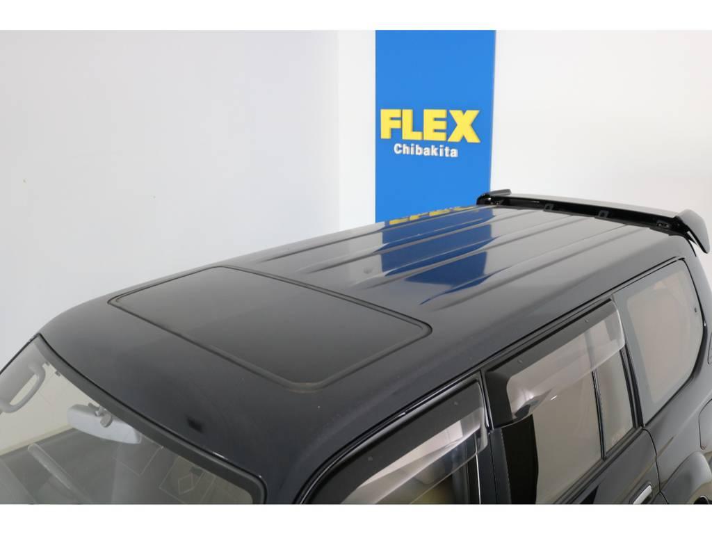 大きな凹みなども無くルーフの状態も良好です! | トヨタ ランドクルーザープラド 3.4 TZ 4WD 6インチUP シートカバー