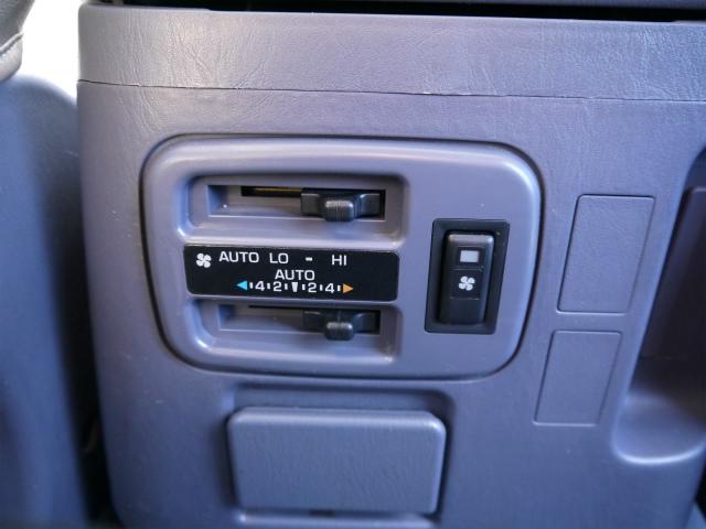 リアエアコン完備でセカンドシートも快適空間! | トヨタ ランドクルーザープラド 3.4 TZ 4WD 6インチUP シートカバー
