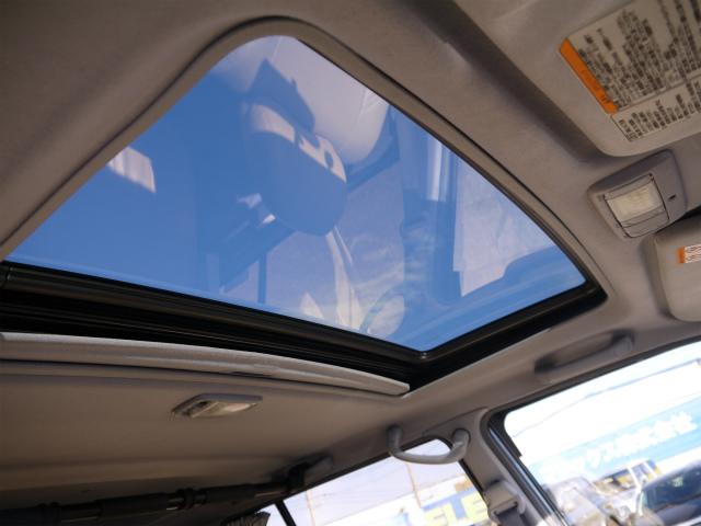 サンルーフで日中も室内を照らしてくれます! | トヨタ ランドクルーザープラド 3.4 TZ 4WD 6インチUP シートカバー