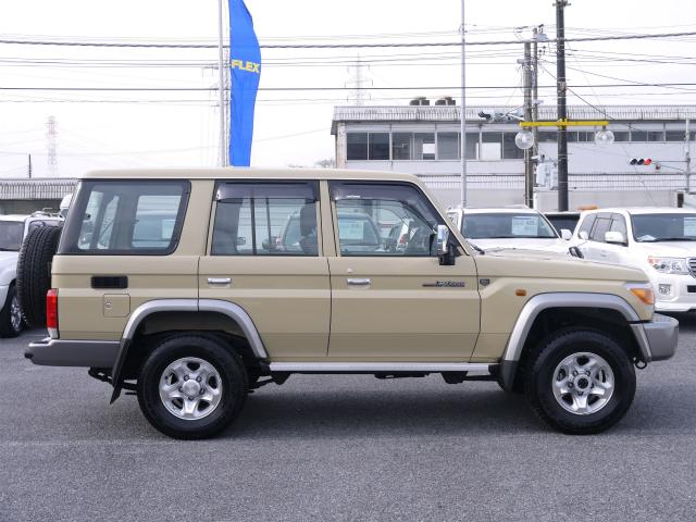 ランドクルーザー70 4.0 4WD