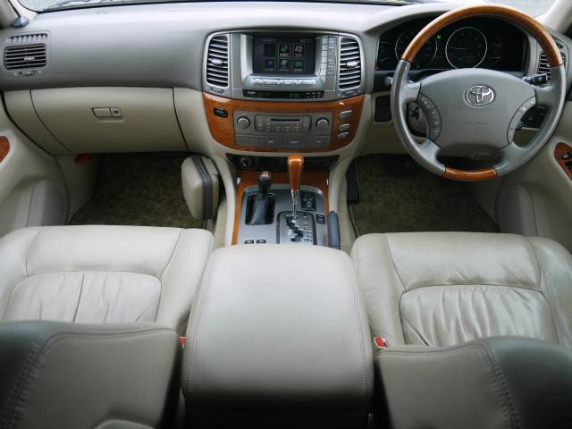 ランドクルーザーシグナス 4.7 4WD