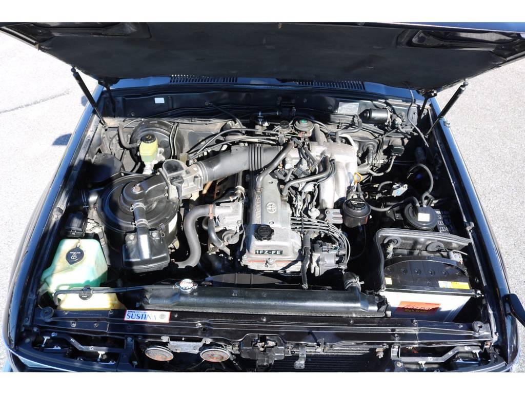 店舗敷地内に工場完備ですので車検~整備までおまかせください。 | トヨタ ランドクルーザー80 4.5 VXリミテッド 4WD 輸出用角目四灯 3インチUP