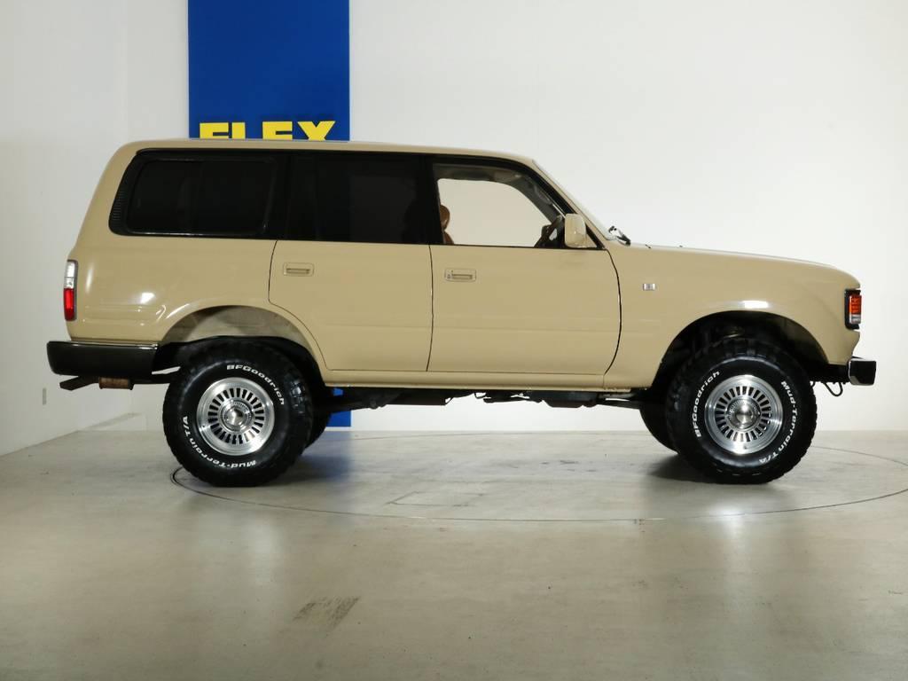 全国最大規模の店舗敷地内に在庫台数100台以上!ご希望に合った1台を探しにいらしてください。 | トヨタ ランドクルーザー80 4.5 VXリミテッド 4WD 『86』 丸目 60フェイス