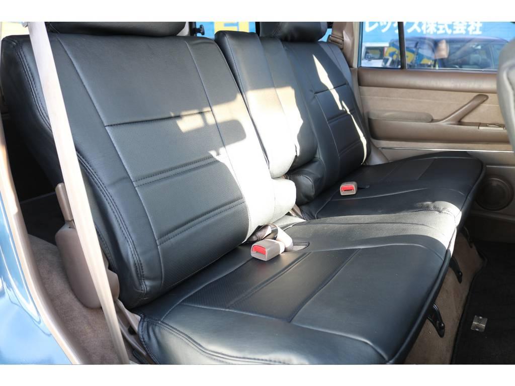セカンドシートにはチャイルドシートも取付可能です☆ | トヨタ ランドクルーザー80 4.5 VXリミテッド 4WD ナロー仕様 5インチUP