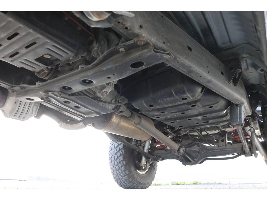 ご納車の際には錆止め防止を施しご納車させて頂きます☆ | トヨタ ランドクルーザー80 4.5 VXリミテッド 4WD ナロー仕様 5インチUP