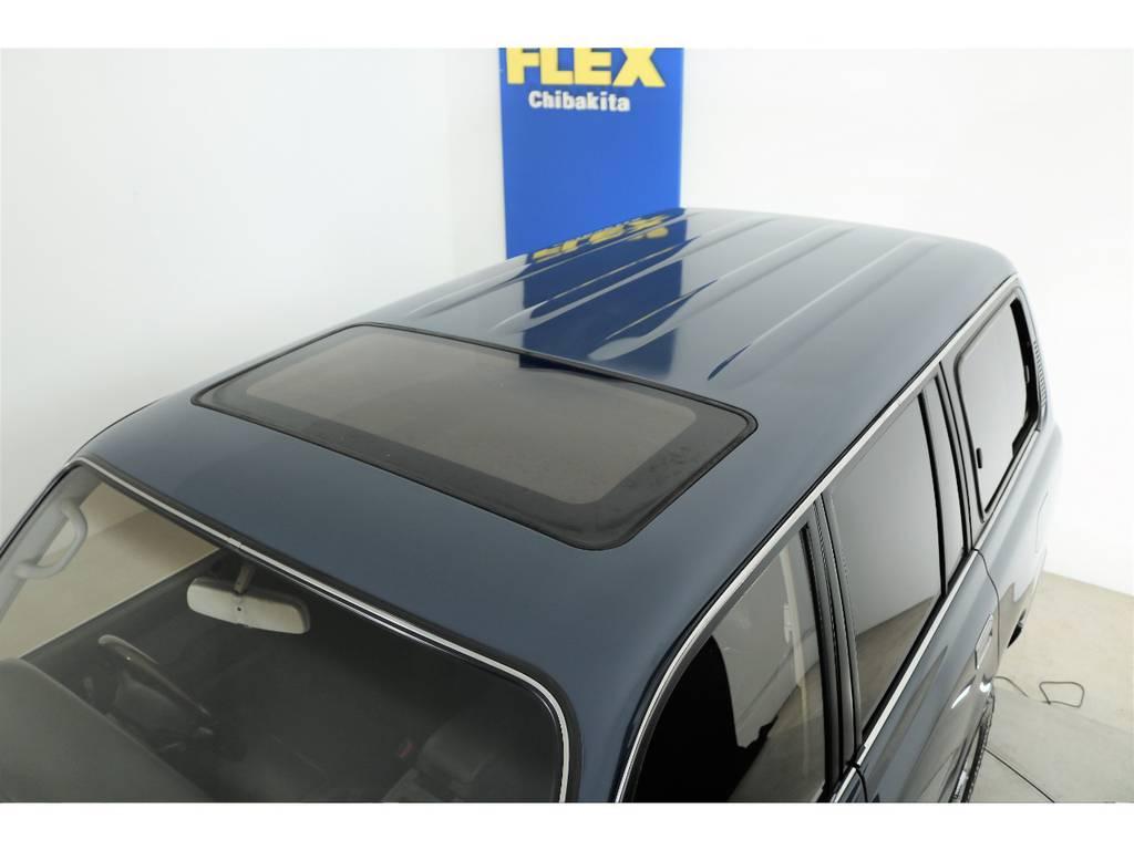 ルーフ面も綺麗に塗られております☆サンルーフ付き☆ | トヨタ ランドクルーザー80 4.5 VXリミテッド 4WD 86 HDDナビ シートカバー