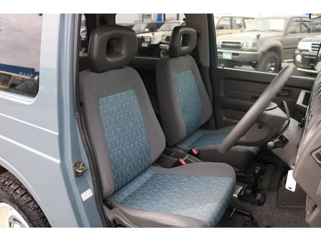 純正ファブリックシートに大きなキズやヘタリも見受けられずグッドコンディション! | スズキ ジムニー 660 XL 4WD オートマ DEANホイール