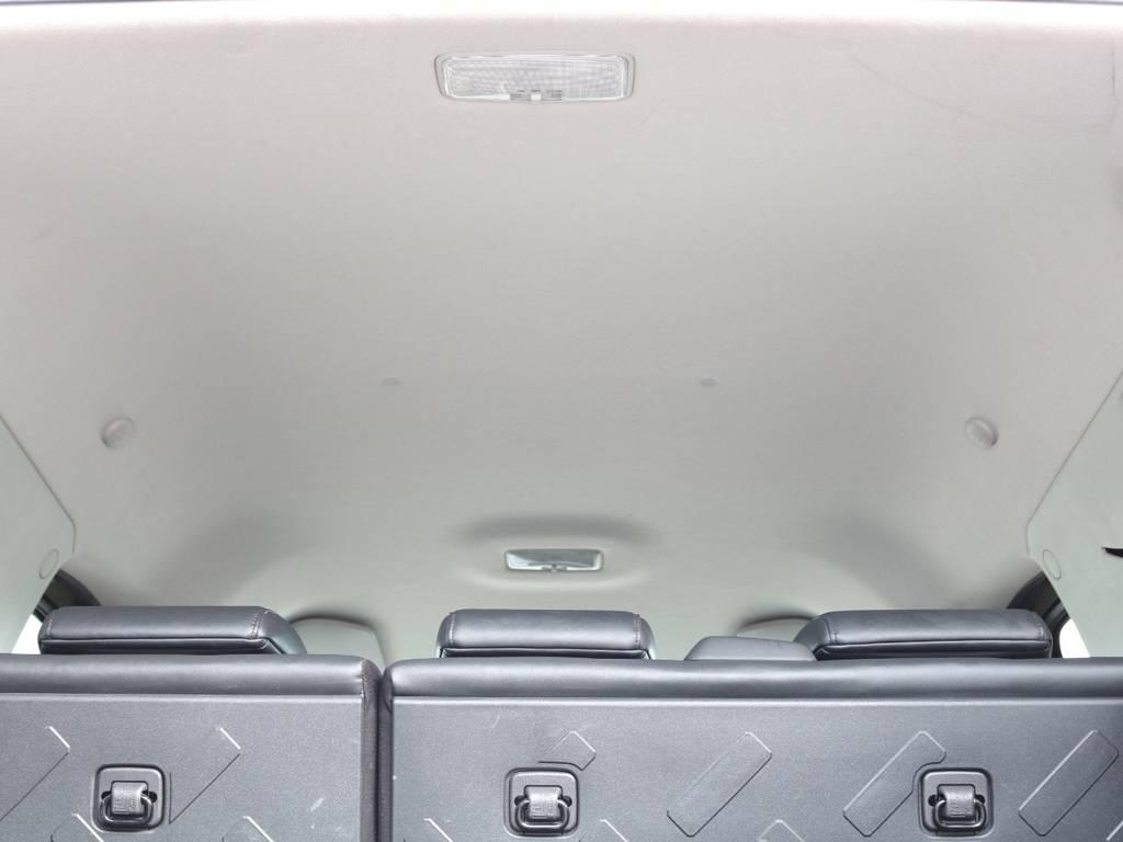 焦げ穴や大きなキズも無く天張りの状態も良好です!フリップダウンモニターの取り付け事例もございます。 | 米国トヨタ FJクルーザー  新車並行車 コンプリートカー