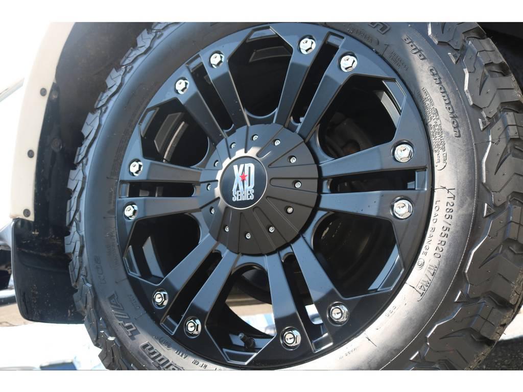 マッドなホイールは外装色に良く似合います☆ | トヨタ ランドクルーザーシグナス 4.7 4WD 最終型 ガナドールマフラー