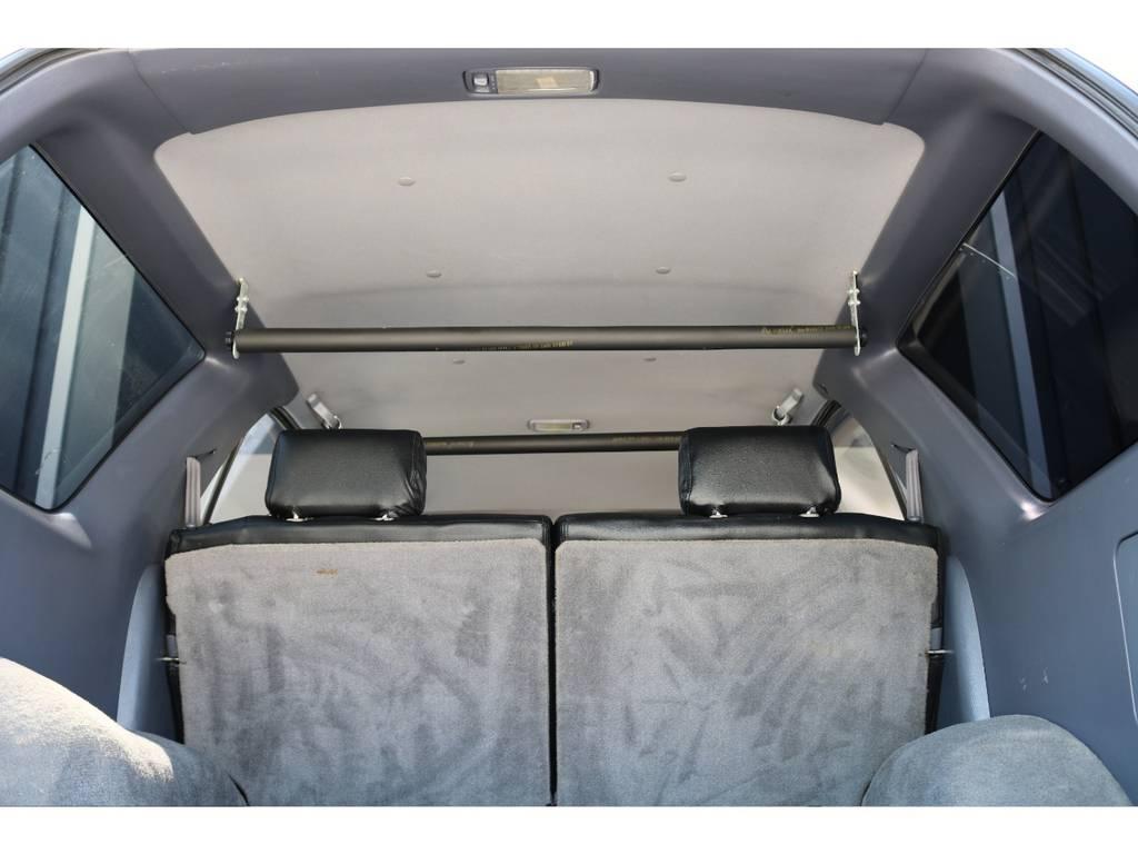 広々した天井!大きなキズやへたりも無く天張りもグッドコンディション! | トヨタ ハイラックスサーフ 2.7 SSR-X ワイドボディ 4WD ニューペイント ペッパーホワイト