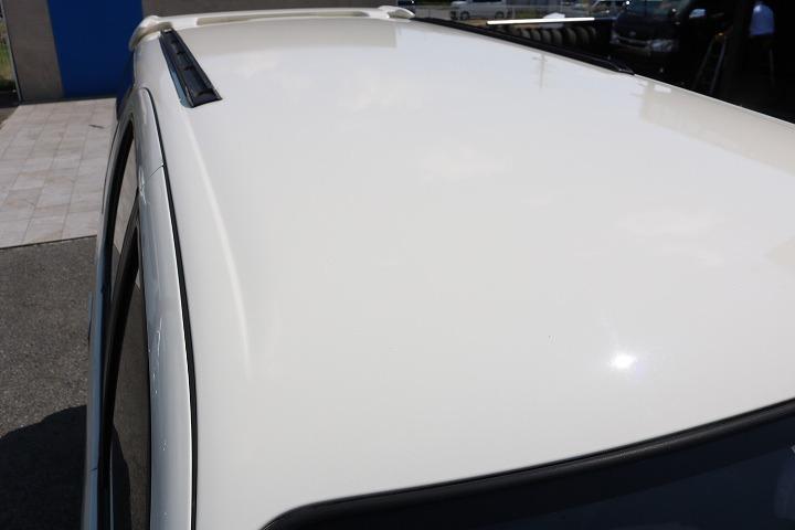 ルーフに大きな凹みなども見受けられずグッドコンディション!   トヨタ ハイラックスサーフ 2.7 SSR-X ワイドボディ 4WD