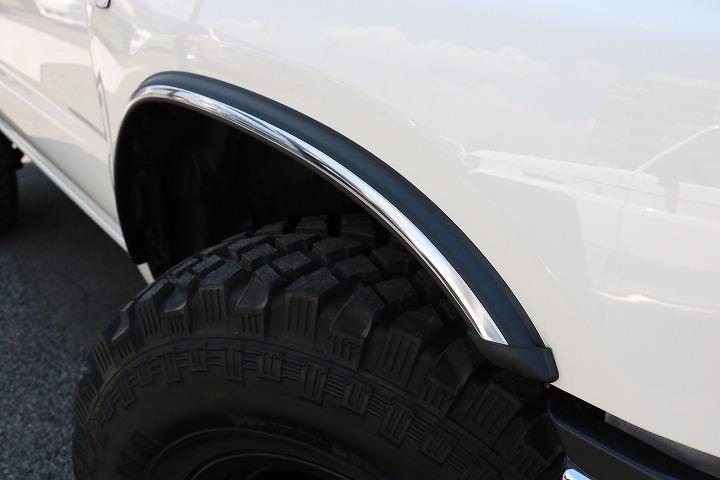 新品US専用フェンダー装備!   トヨタ ハイラックスサーフ 2.7 SSR-X ワイドボディ 4WD