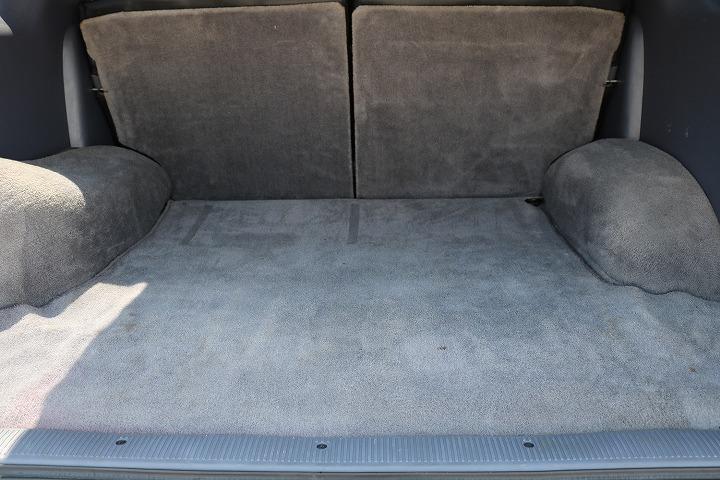 広々したラゲッジルーム!大容量でキャンプ用品なども沢山収容できます!   トヨタ ハイラックスサーフ 2.7 SSR-X ワイドボディ 4WD