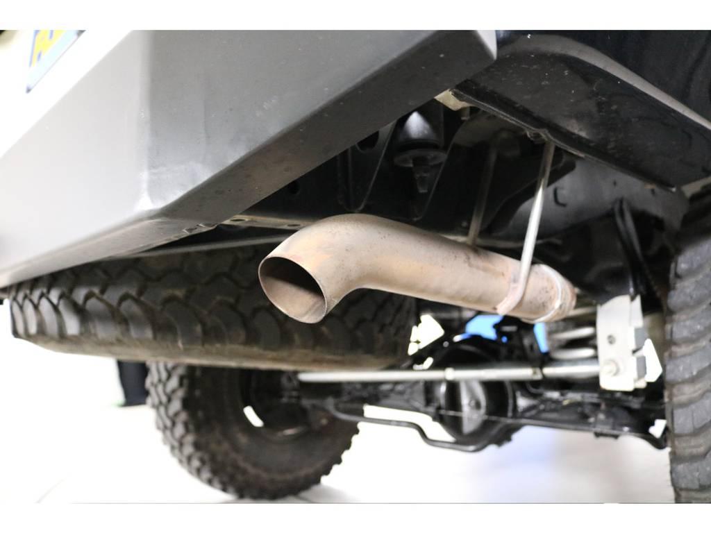 ダウンテールマフラーも入っており完璧な一台! | トヨタ ランドクルーザー80 4.5 VX 4WD 5速MT OPデフロック