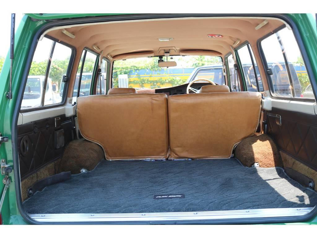 広々したラゲッジルーム!大容量でキャンプ用品なども沢山収容できます! | トヨタ ランドクルーザー60 4.0 VX ロールーフ角目 4WD ロールーフ オートマ SDナビ