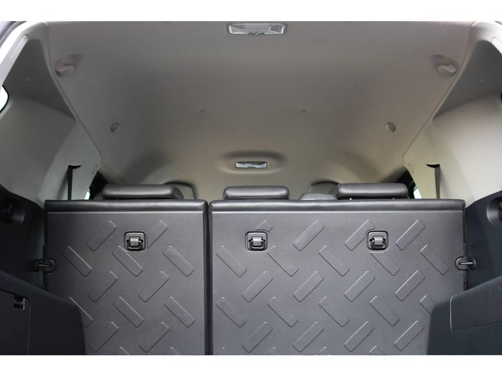 焦げ穴や大きなキズも無く天張りの状態も良好です!フリップダウンモニターの取り付け事例もございます。 | トヨタ FJクルーザー 4.0 4WD SDナビ バックカメラ