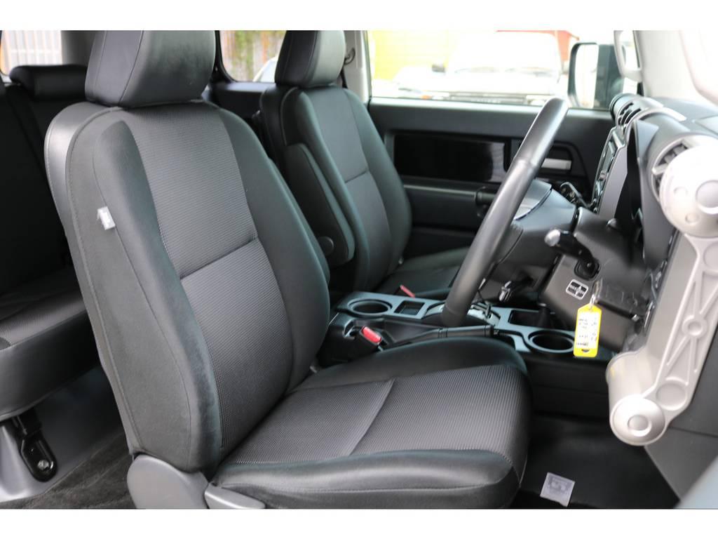 焦げ穴や大きなへたりも無く運転席の状態も良好です!撥水仕様のファブリックシートでアクティブに使えます!