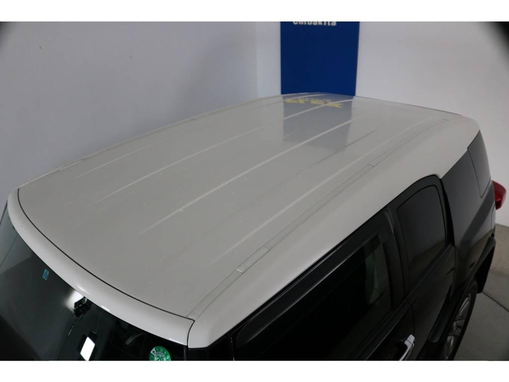 塗装焼けも無くルーフの状態も良好です!各種ルーフラック等もご相談ください。 | トヨタ FJクルーザー 4.0 カラーパッケージ 4WD 20インチAW HDDナビ