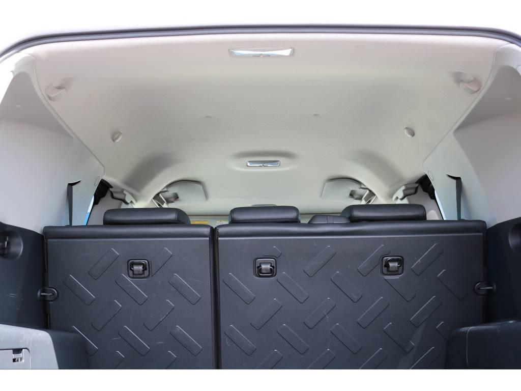 焦げ穴や大きなキズも無く天張りの状態も良好です!フリップダウンモニターの取り付け事例もございます。 | トヨタ FJクルーザー 4.0 カラーパッケージ 4WD 20インチAW HDDナビ