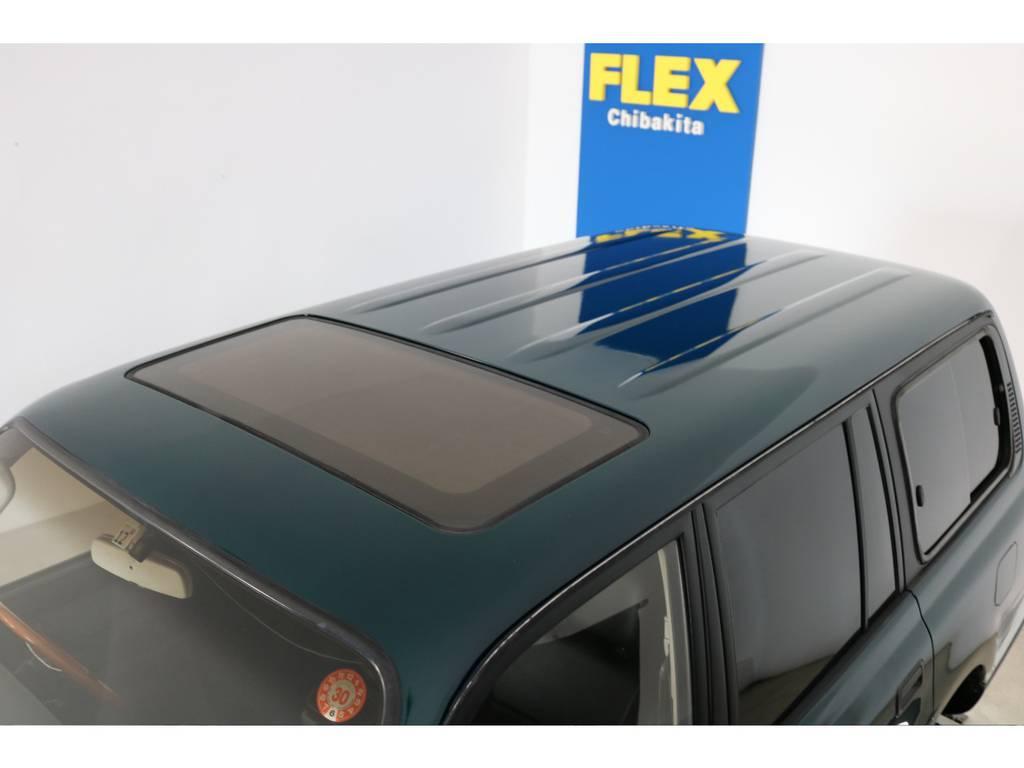 ルーフに大きな凹みなども見受けられずグッドコンディション! | トヨタ ランドクルーザー80 4.5 VXリミテッド 4WD 『86』60フェイスチェンジ