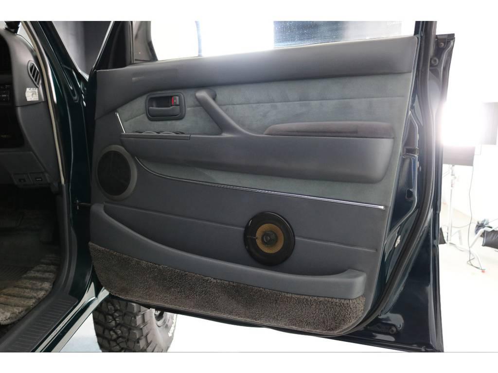 社外スピーカーも装着済み! | トヨタ ランドクルーザー80 4.5 VXリミテッド 4WD 『86』60フェイスチェンジ