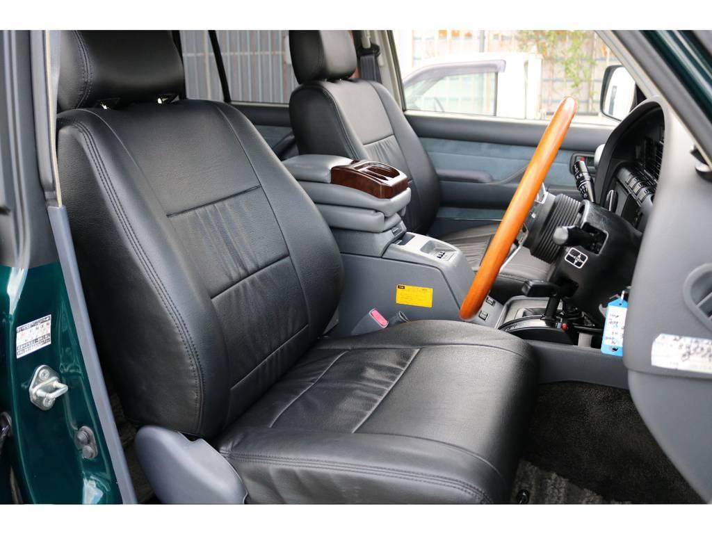 柔らかめなモケットシート!座り心地もグッド!シートカバーも装着済み! | トヨタ ランドクルーザー80 4.5 VXリミテッド 4WD 『86』60フェイスチェンジ