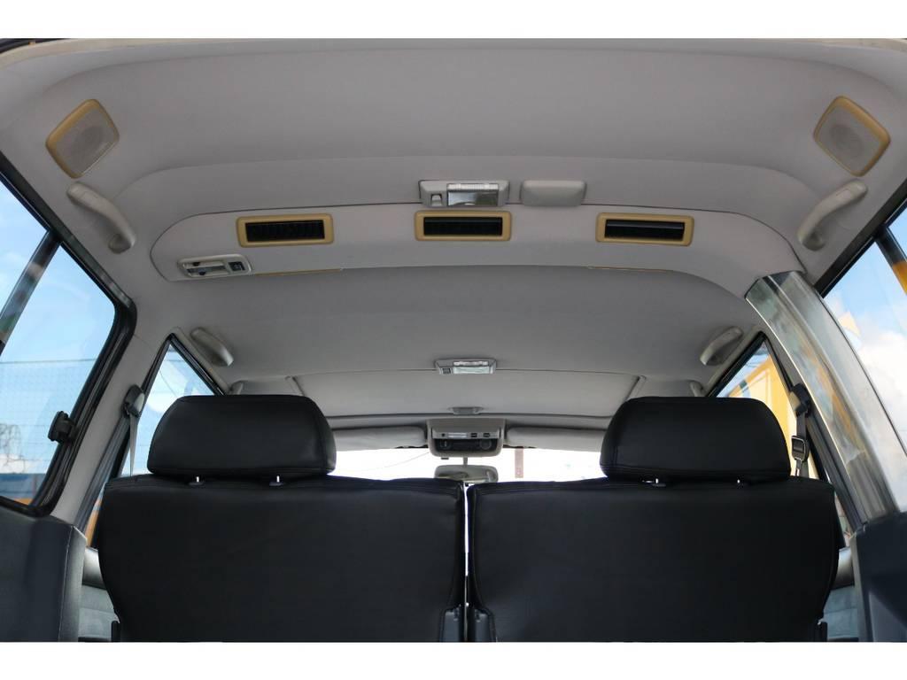 広々した天井!大きなキズやへたりも無く天張りもグッドコンディション! | トヨタ ランドクルーザー80 4.5 VXリミテッド 4WD 『86』60フェイスチェンジ