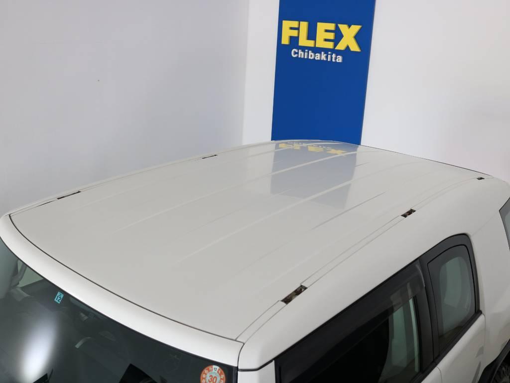 塗装焼けも無くルーフの状態も良好です!各種ルーフラック等もご相談ください。 | トヨタ FJクルーザー 4.0 4WD 新品20インチAW SDナビ